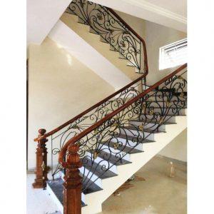cầu thang sắt nghệ thuật dạng tấm